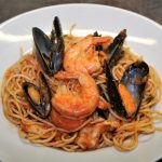 Pasta with mussels and olives